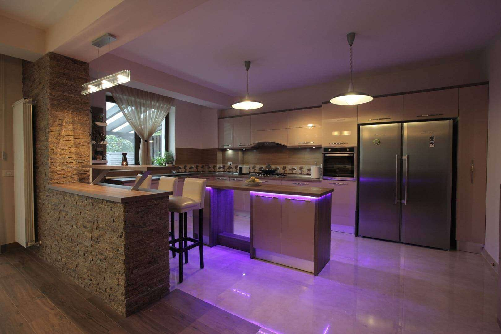 <a href=&quot;Sisitem de lumini RGB instalat in bucataria Aime - mobila bucatarie open space cu dining integrat&quot;>Sistem de lumini RGB instalat in bucataria Aime - mobila bucatarie open space cu dining integrat <img src='http://www.unican.ro/wp-content/themes/vita/img/dreapta.png' class='pull-right hidden-xs' style='margin-right:-10px;margin-top:-10px; max-height:41px'></a>