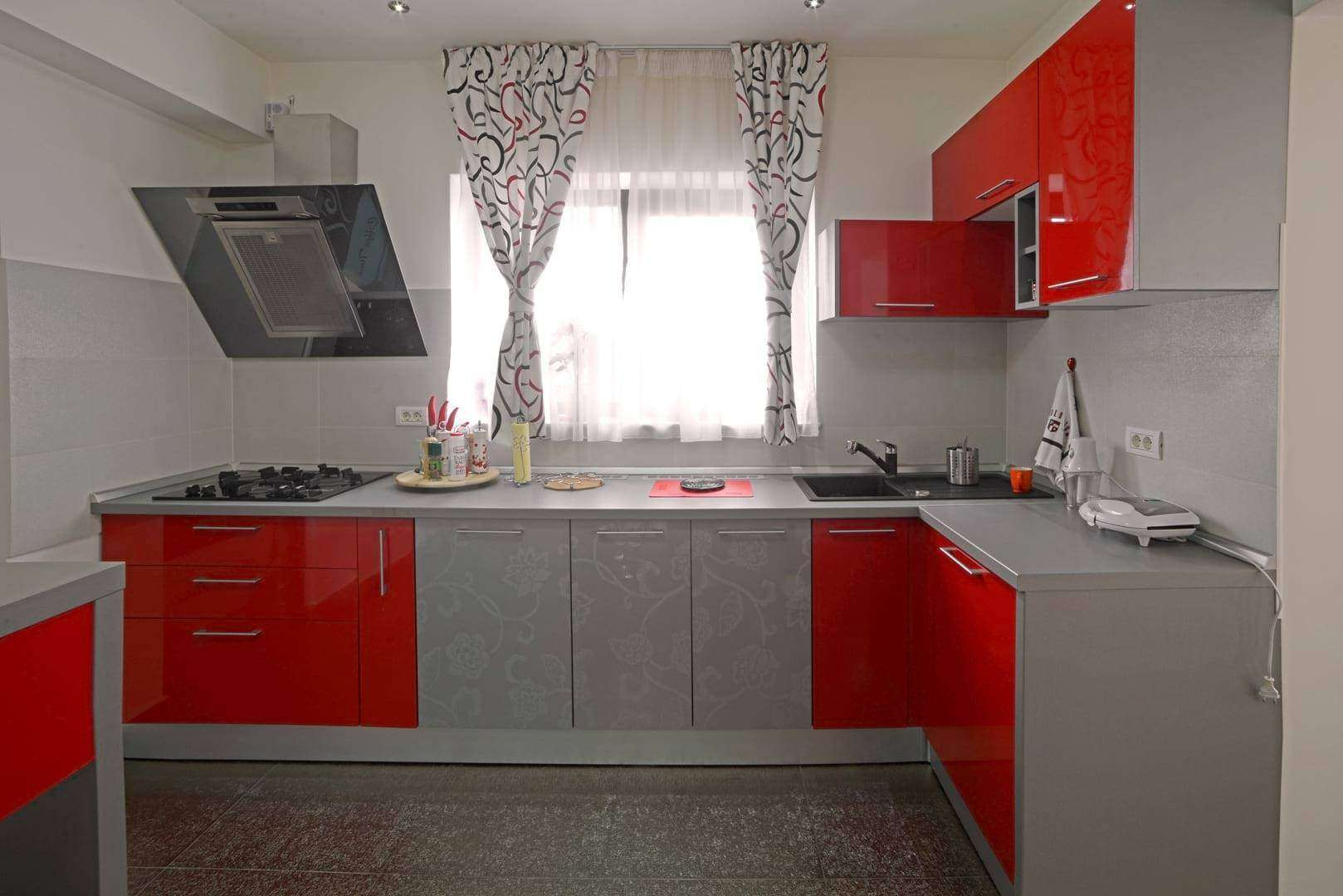 <a href=&quot;&quot;>mobila bucatarie Ramona 4<img src='http://www.unican.ro/wp-content/themes/vita/img/dreapta.png' class='pull-right hidden-xs' style='margin-right:-10px;margin-top:-10px; max-height:41px'></a>
