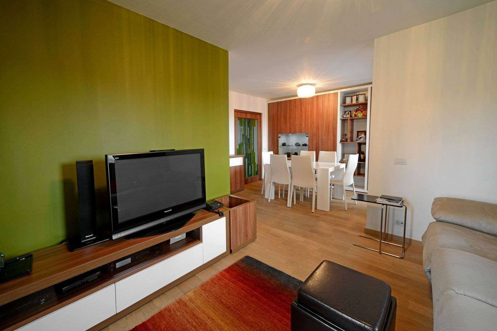 <a href=&quot;mobila living minimalista la comanda&quot;>mobila living rose la comanda<img src='http://www.unican.ro/wp-content/themes/vita/img/dreapta.png' class='pull-right hidden-xs' style='margin-right:-10px;margin-top:-10px; max-height:41px'></a>