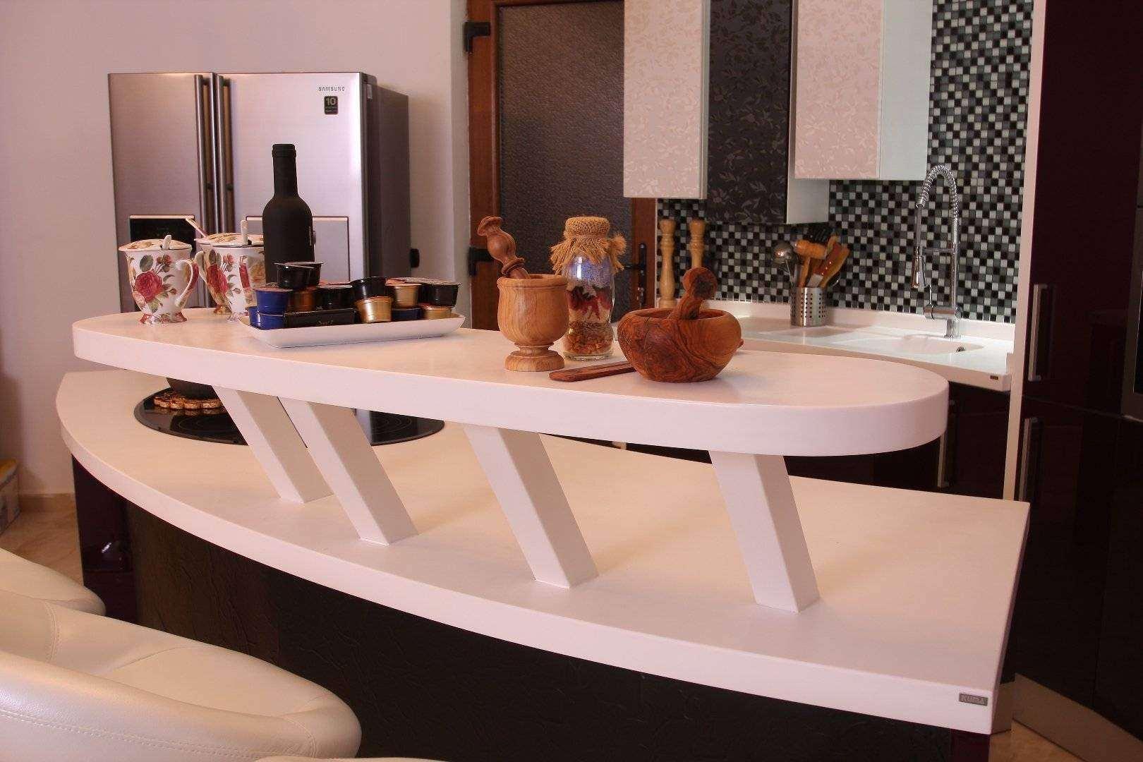 mobila bar cu bar din compozit